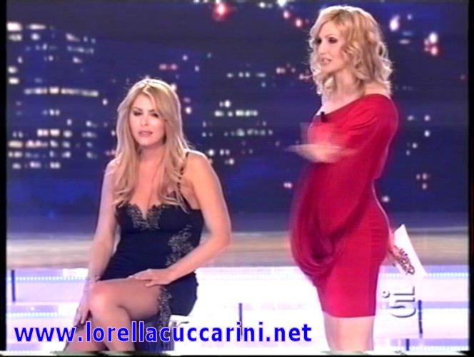 """Lorella Cuccarini durante la puntata de """"La sail'ultima?"""" nel 2008 con ..."""